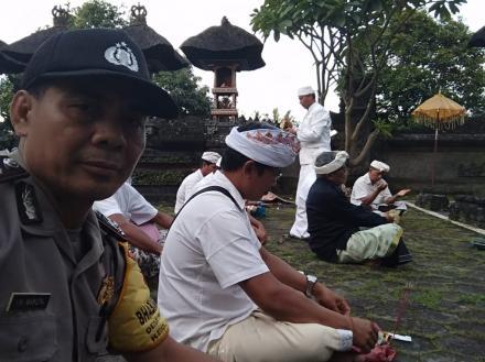 Agar Wabah Covid-19 Segera Berakhir, Desa Adat Padangbulia Gelar Doa Serentak