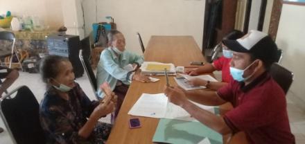 Pemdes Padangbulia Salurkan BLT-DD Tahap VII Tahun 2021