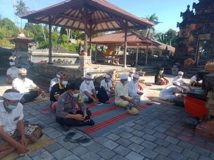 Upacara Ngrastiti Bakti di Pura Kahyangan Tiga Desa Padangbulia